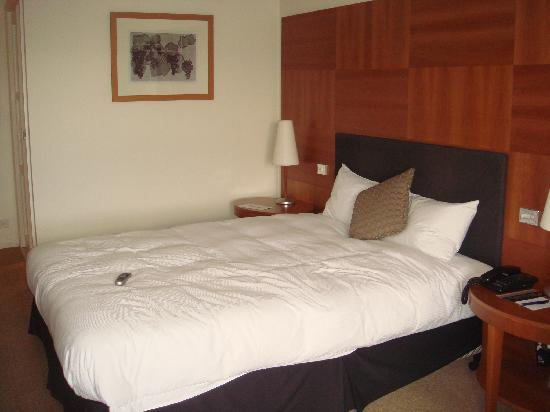Hilton Adelaide: Double bed