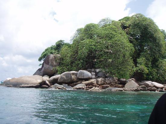 Berjaya Tioman Resort - Malaysia: Tulai- 1 minutes boat ride, swim ?