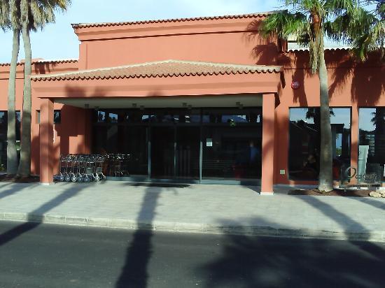 Caybeach Caleta: Hotel Entrance