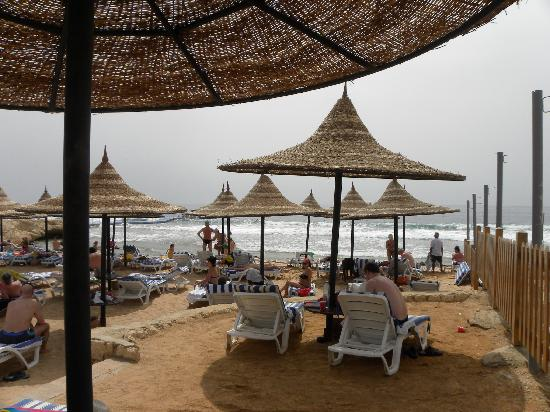 Tiran Island Hotel: part of the private beach