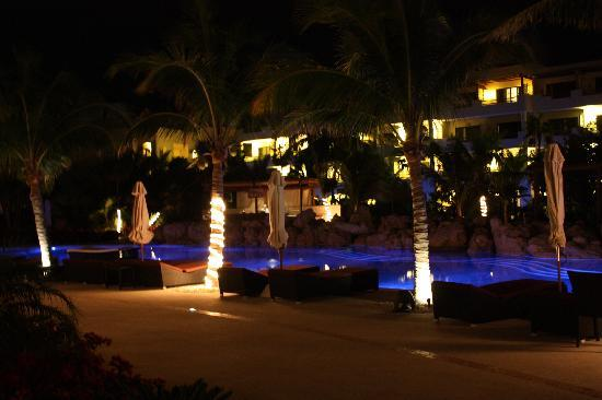 Secrets Maroma Beach Riviera Cancun: grounds