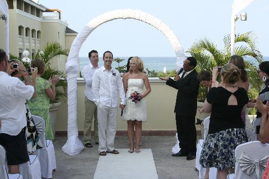 Iberostar Rose Hall Beach Hotel: Newlywed