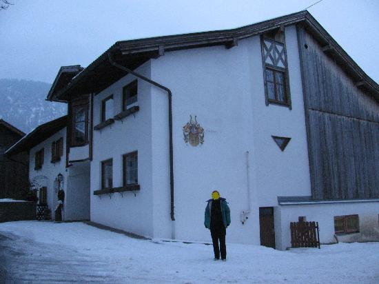 Gintherhof side