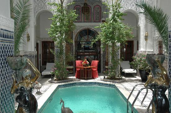 Riad & Spa Esprit du Maroc: patio piscine