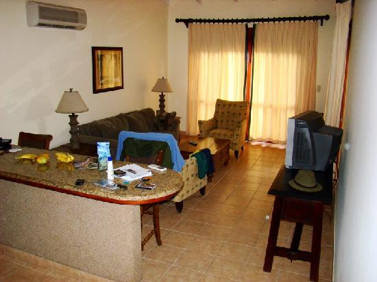 Club del Sol: other view of living/kitchen area