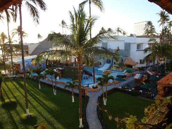 Crown Paradise Club Puerto Vallarta: Pool