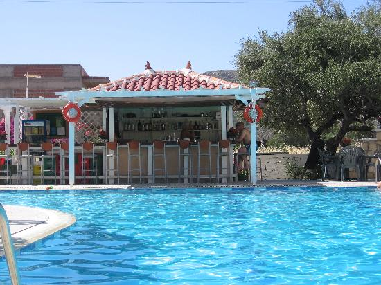 Hotel Romantica Apartments: The poolbar