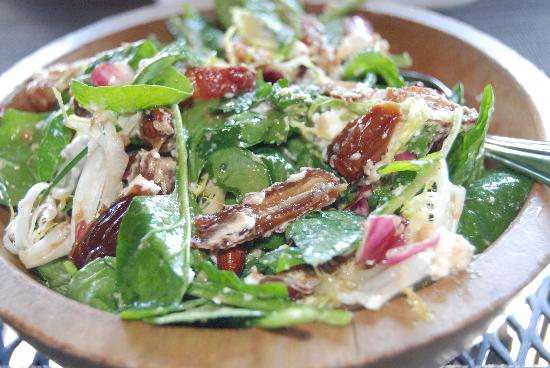 Willi's Wine Bar: warm spinach salad