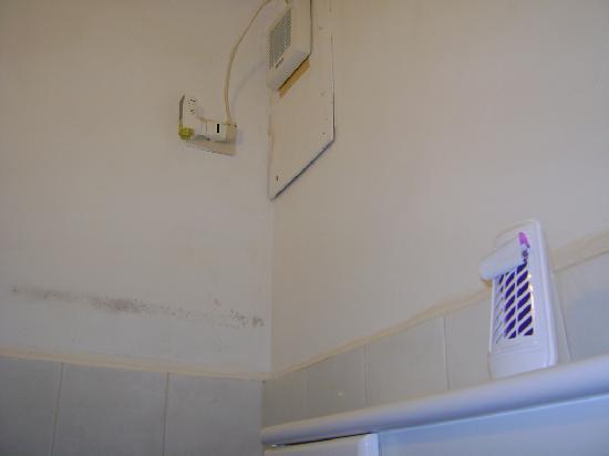 Hotel Casmona: particolare del doppio profumo in bagno