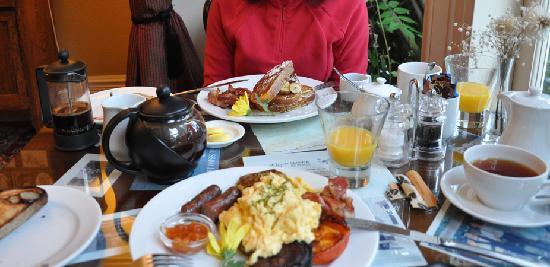 Eliza's Manor Boutique Hotel: Desayuno