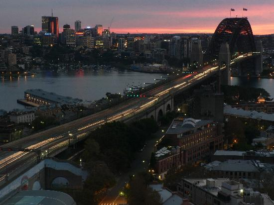 Shangri-La Hotel Sydney: Dawn over the bridge- another view from our room.