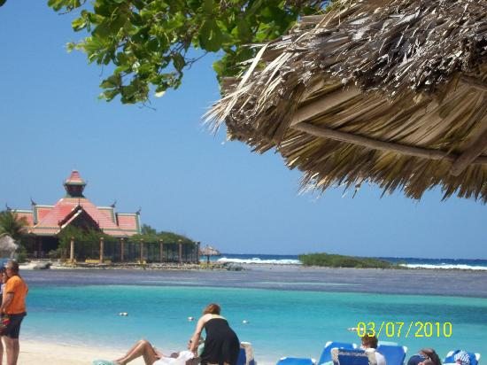 Sandals Royal Caribbean Resort and Private Island: partial veiw of the private island