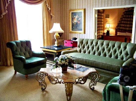 Paris Las Vegas: King Suite