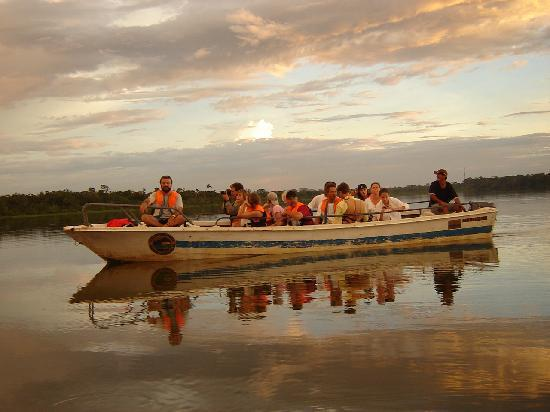 Manatee Amazon Explorer: Canoe trip