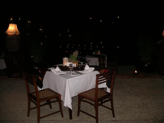 Belmond La Residence Phou Vao: Dining al fresco