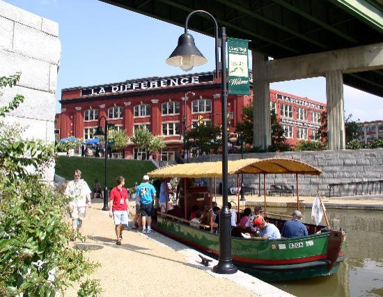 Canal Walk: River District Canal Cruises