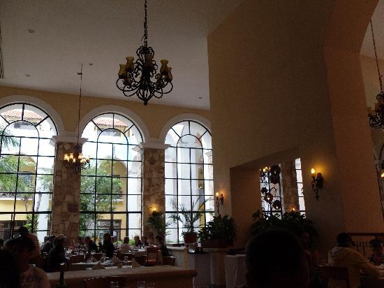 Occidental at Xcaret Destination: Le buffet principal