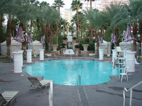 Flamingo Las Vegas Hotel & Casino: Second smaller pool
