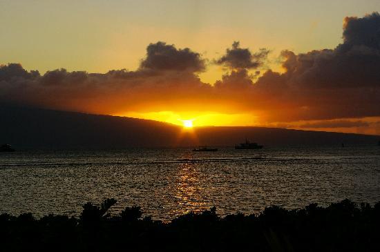 Lahaina, HI: beautiful sunset at Feast at Lele
