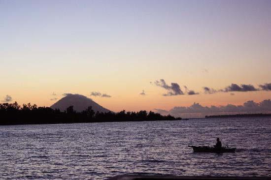 Cocotinos Manado: La puesta de sol de cada dia
