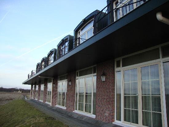Van der Valk Hotel Groningen Westerbroek: Hotelbuilding looked nice and new