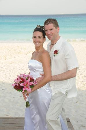 Sandos Playacar Beach Resort: Our Perfect Wedding