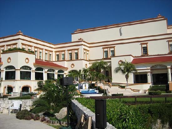 Heaven at the Hard Rock Hotel Riviera Maya: North lobby