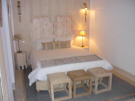Riad Dar More: habitación planta baja