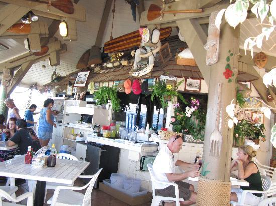 Gazebo Restaurant at Napili Shores: Inside the restaurant.