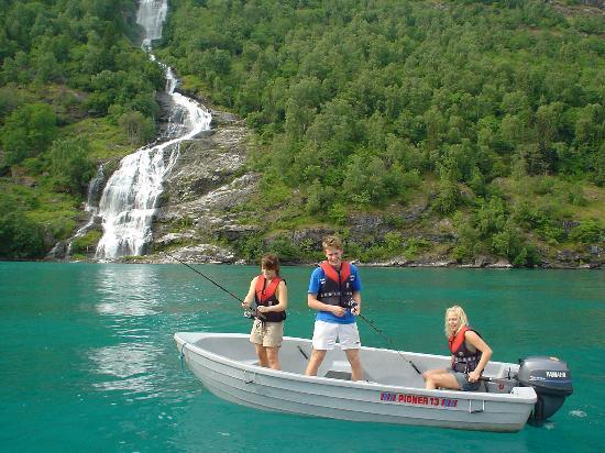 Grande Hytteutleige og Camping: Boathire and kayak rental
