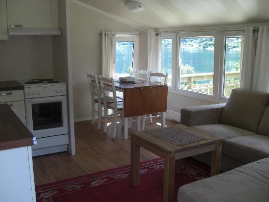 Grande Hytteutleige og Camping: Inside the alternative 5 cabins