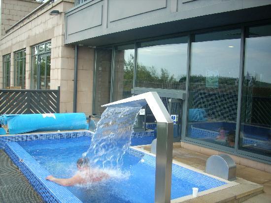 Macdonald Marine Hotel & Spa: outdoor pool