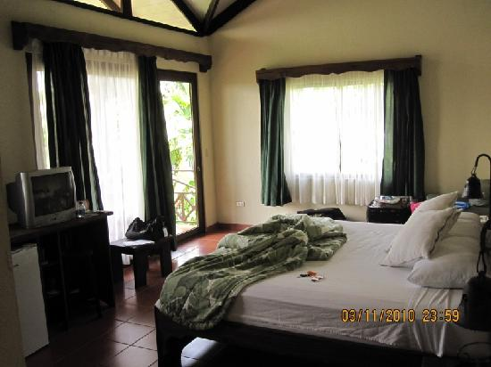 Arenal Springs Resort and Spa: main room with direct view of Arenal Volcano