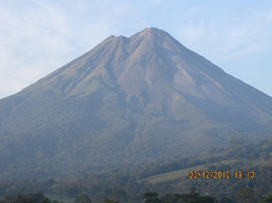 Arenal Springs Resort and Spa: volcanbo at 6:10am March 13th