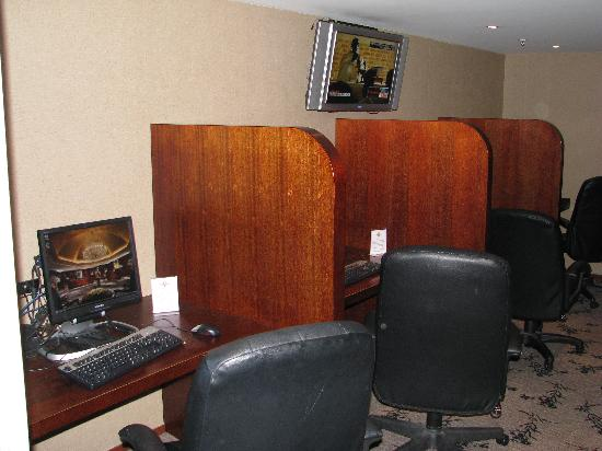 Cordis, Auckland: Free computers for fifth floor