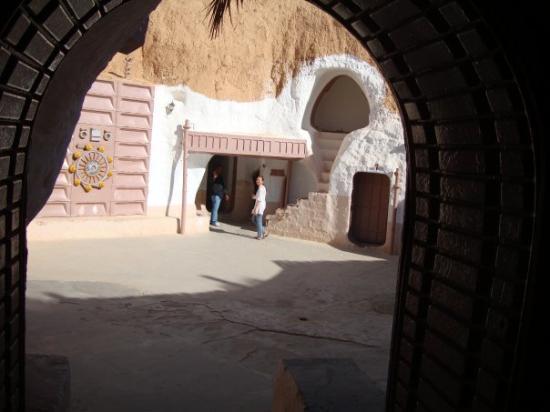 Matmata, Tunisia: Tatooine Plaza