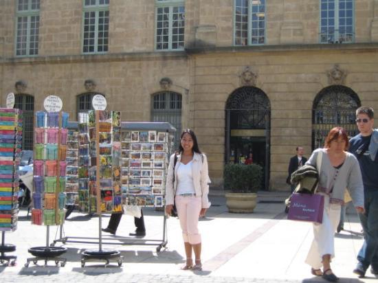 Aix-en-Provence, Frankrike: ร้านขาย Post card ใน Aix en Provence