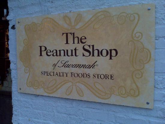 Savannah, GA: Best place to get roasted Virginia Peanuts