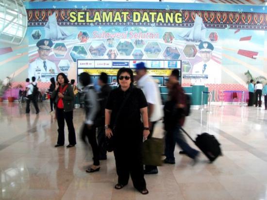 Bandara Makassar tetep yg paling sibuk, karena bandara transit dr barat ke Timur or sebaliknya