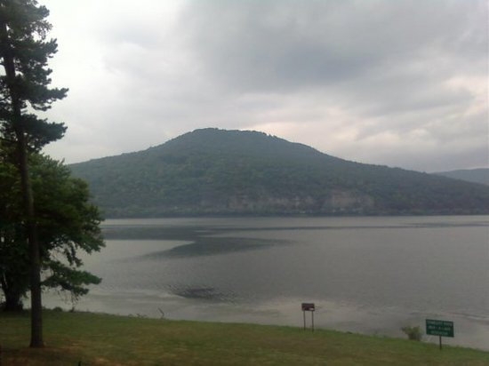 สเมอร์นา, เทนเนสซี: On the road again Nick a jack reservoir outside Chattanooga TN