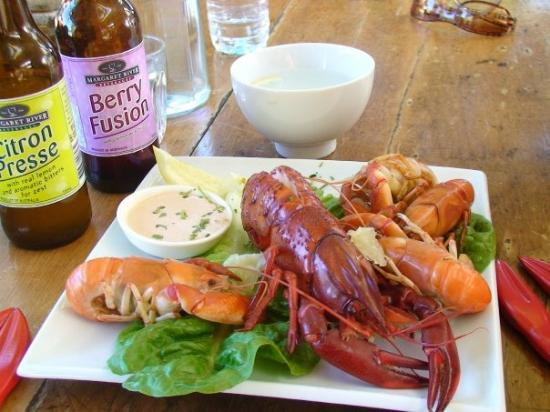 Albany, Australia: Locally farmed Marron & Yabbies for lunch at Nipper's Cafe