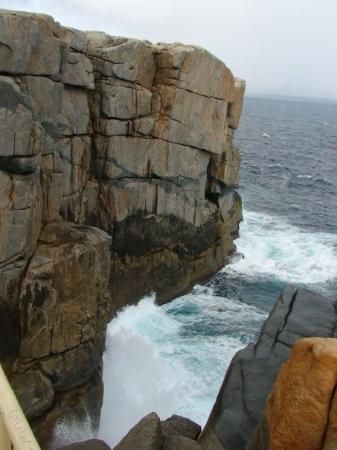Albany, Australia: many tourists had accidentally flown off the cliff here!!