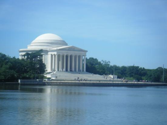 Jefferson Memorial: Tomas Jefferson