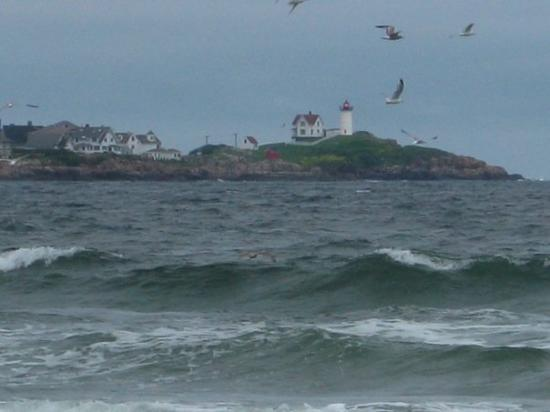 Long Sands Beach Christina Managed To Take This Awesome Picture Of Nubble Light From