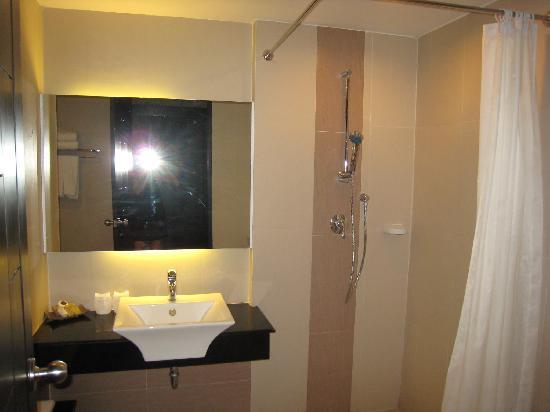 Ananta Burin Resort: Bathroom