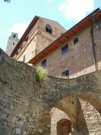 Castellina In Chianti, Italia: San Giminanyo.....the town of Towers....