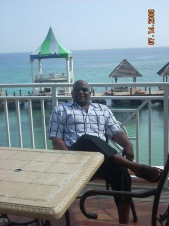 Ocho Rios, Jamaica: This is what we do....relax & just enjoy life.