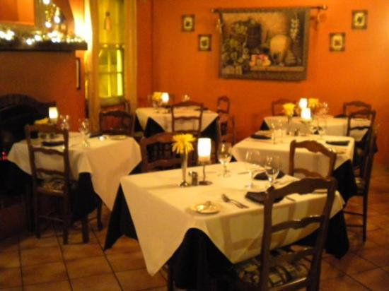 Collage Restaurant: small & intimate
