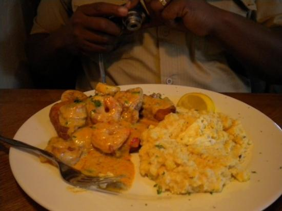 Harry's Seafood Bar and Grille: Shrimp w/grit cakes & grits w/creamy corn....THIS WAS TO DIE FOR