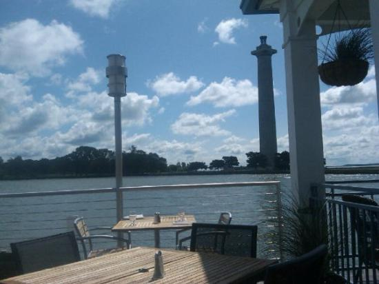 Put in Bay, OH: Axel and harrys on the water pib